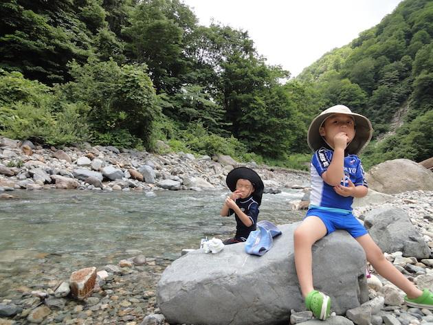 秘湯切明温泉で川遊び〜志賀高原の旅(後編)