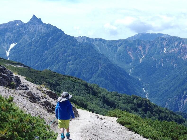 表銀座縦走路で燕岳〜大天井岳〜常念岳へ〜子供とテント泊登山(その2)