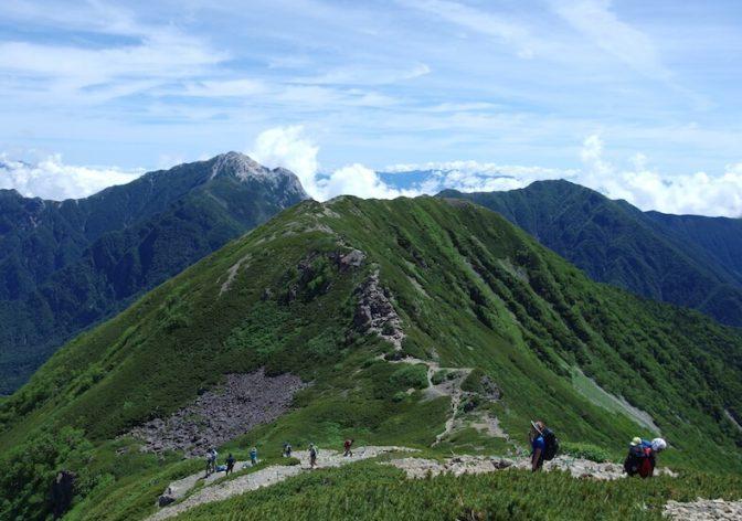 初夏の仙丈ヶ岳〜子供と日帰り登山(前編)