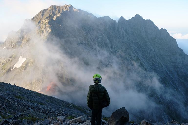 涸沢岳から見る奥穂高岳とジャンダルム