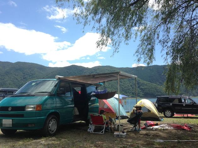 西湖自由キャンプ場とヴァナゴン