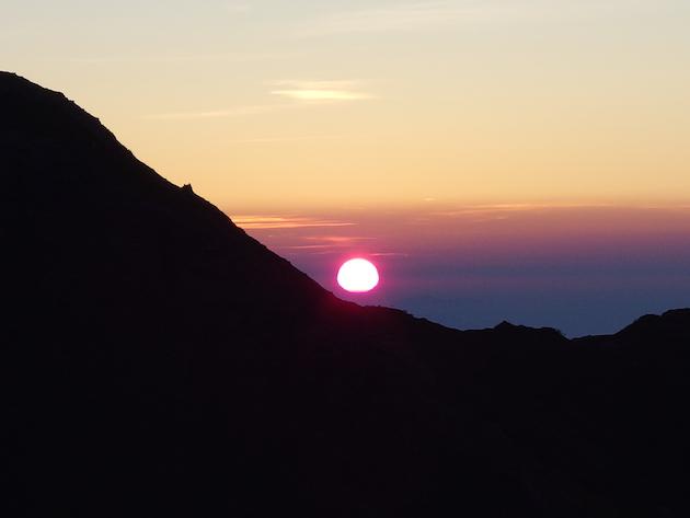 北岳山荘の日の出