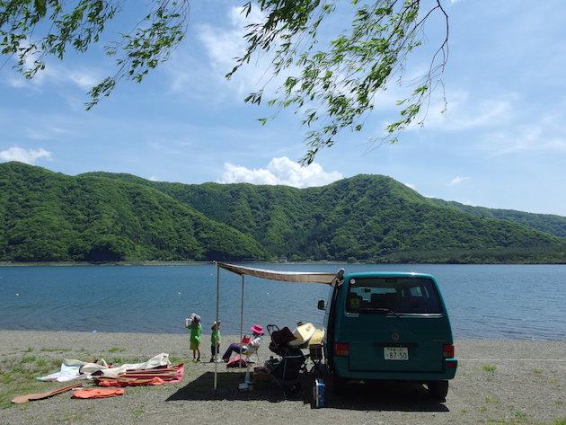 VW Vanagon 富士西湖にて